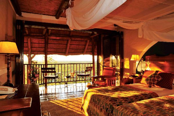 Victoria Falls Safari lodge on BB std room